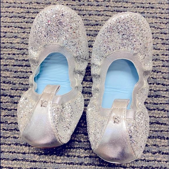 Platinum Glitter Serena Ballet Flats, Size 5 Women   Hitched by Yosi Samara.